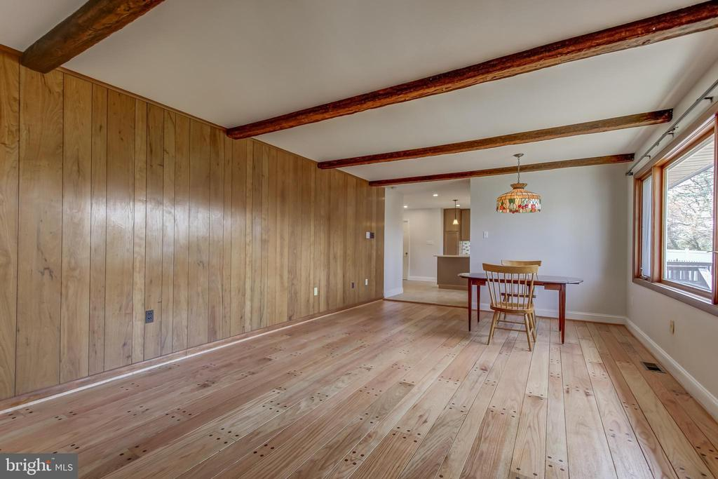 If you wish, wired so you can add recessed lights. - 7007 PARTRIDGE PL, HYATTSVILLE