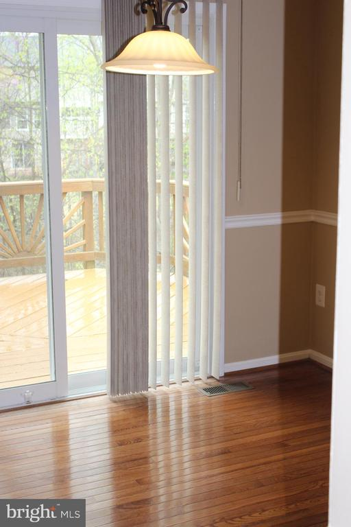 Sliding glass doors to kitchen - 13 HARRY CT, STAFFORD