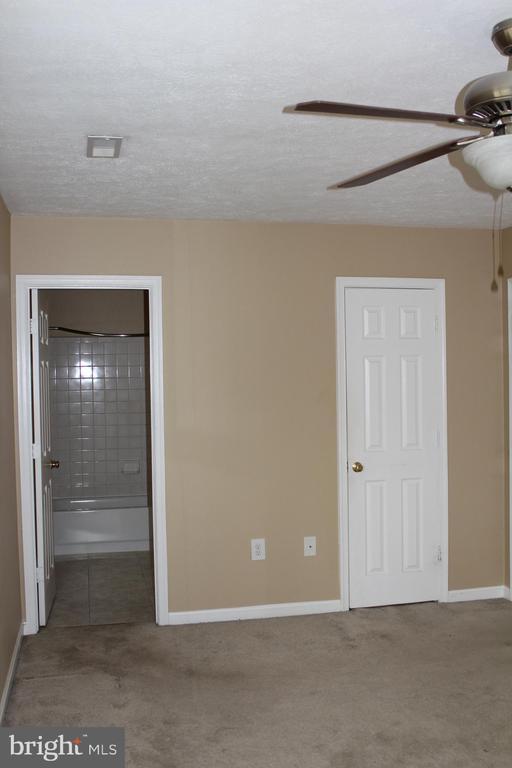 Master bedroom - 13 HARRY CT, STAFFORD