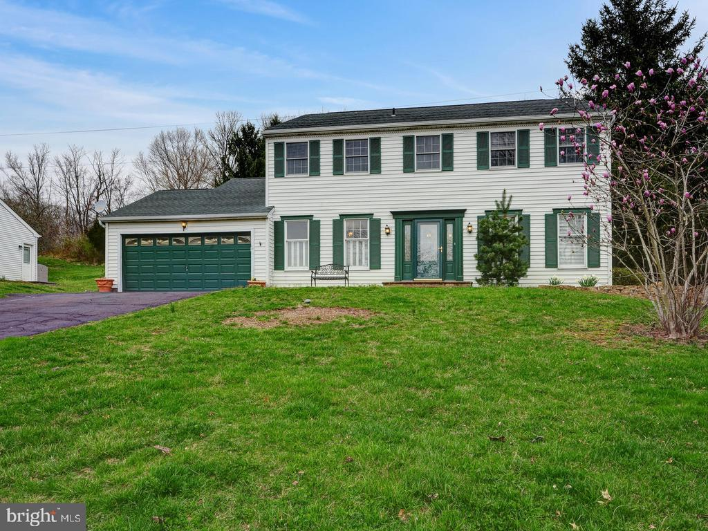 86  COLONIAL DRIVE, Newtown, Pennsylvania