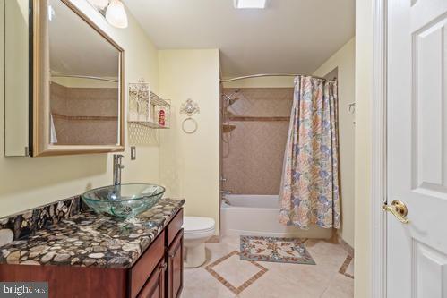 Lower Level Bath - 11303 MARLBORO RIDGE RD, UPPER MARLBORO