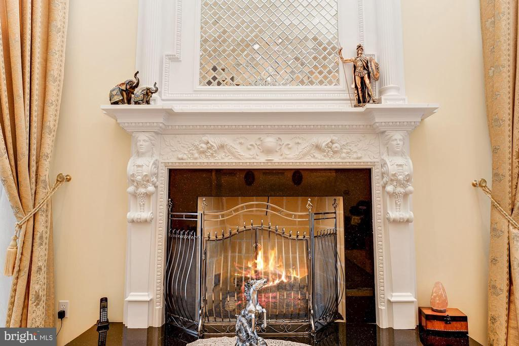 Custom Fireplace , Mantel & Over-Mantel - 11536 MANORSTONE LN, COLUMBIA
