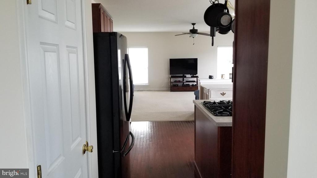 hall from dining room to kitchen - 30 BISMARK DR, STAFFORD