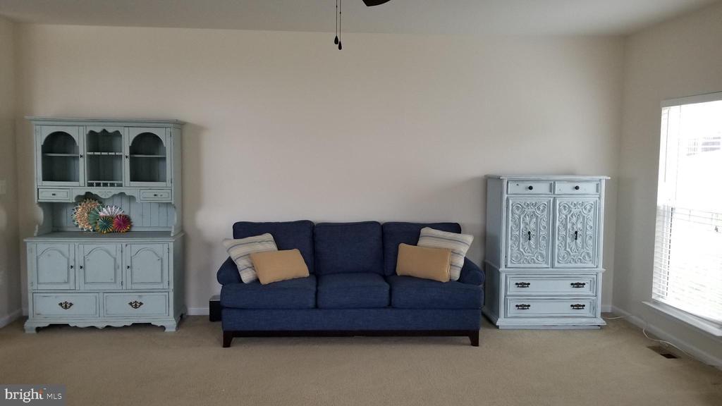 Living room - 30 BISMARK DR, STAFFORD