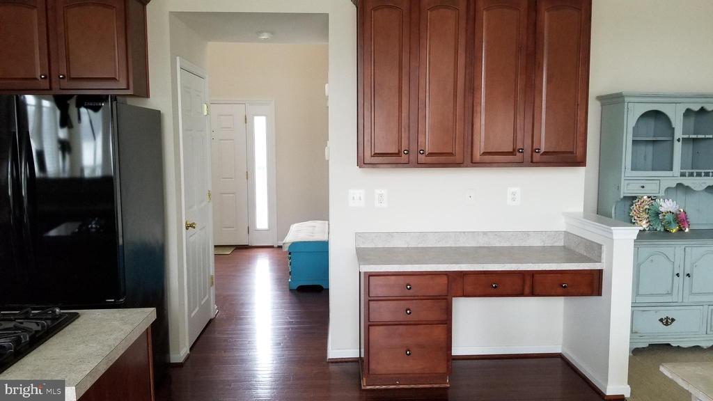 desk between kitchen and living room - 30 BISMARK DR, STAFFORD