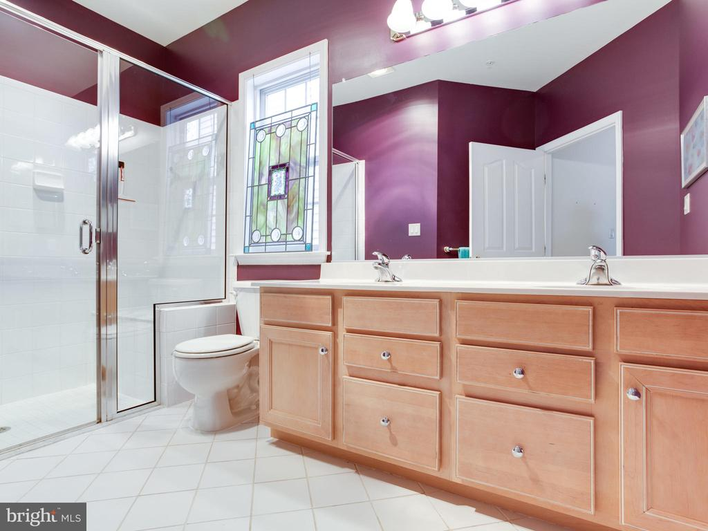 Main Level Owners Bath with Luxury Walk-in Shower - 8709 WARM WAVES WAY #3, COLUMBIA