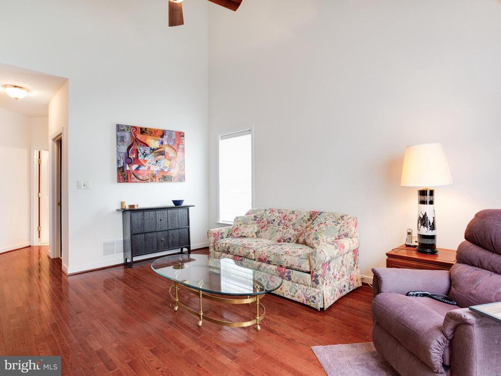 Main Level Owners Suite - 8709 WARM WAVES WAY #3, COLUMBIA