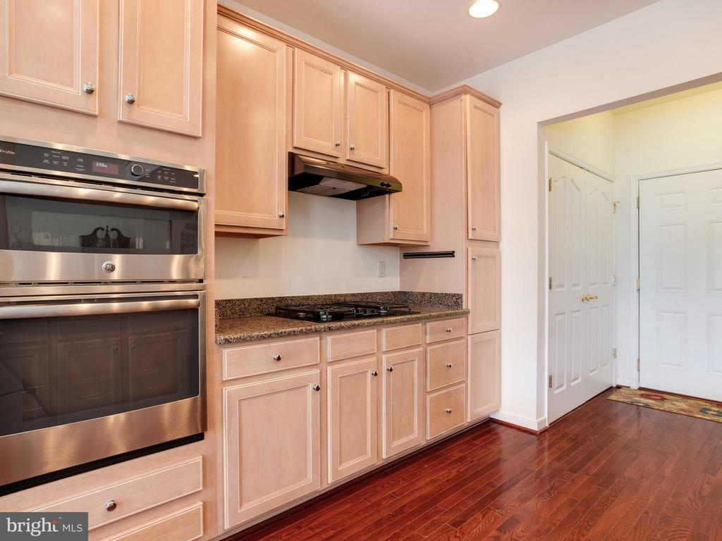 Kitchen with Upgraded Appliances - 8709 WARM WAVES WAY #3, COLUMBIA