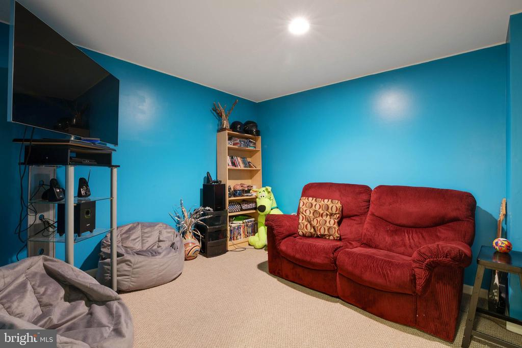 2nd rec room in the basement = perfect media room! - 7127 AZALEA DR, RUTHER GLEN