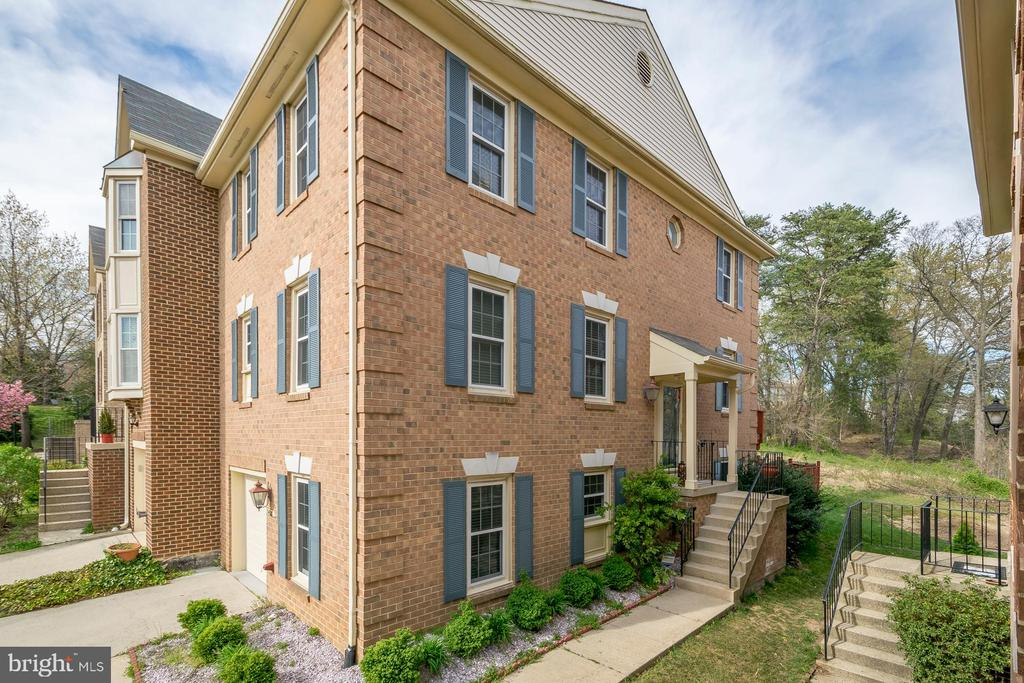 7408  SALFORD COURT, Alexandria, Virginia