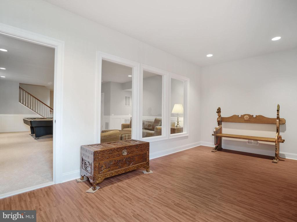 Exercise/Yoga Room - 42612 WILLOW BEND DR, BRAMBLETON