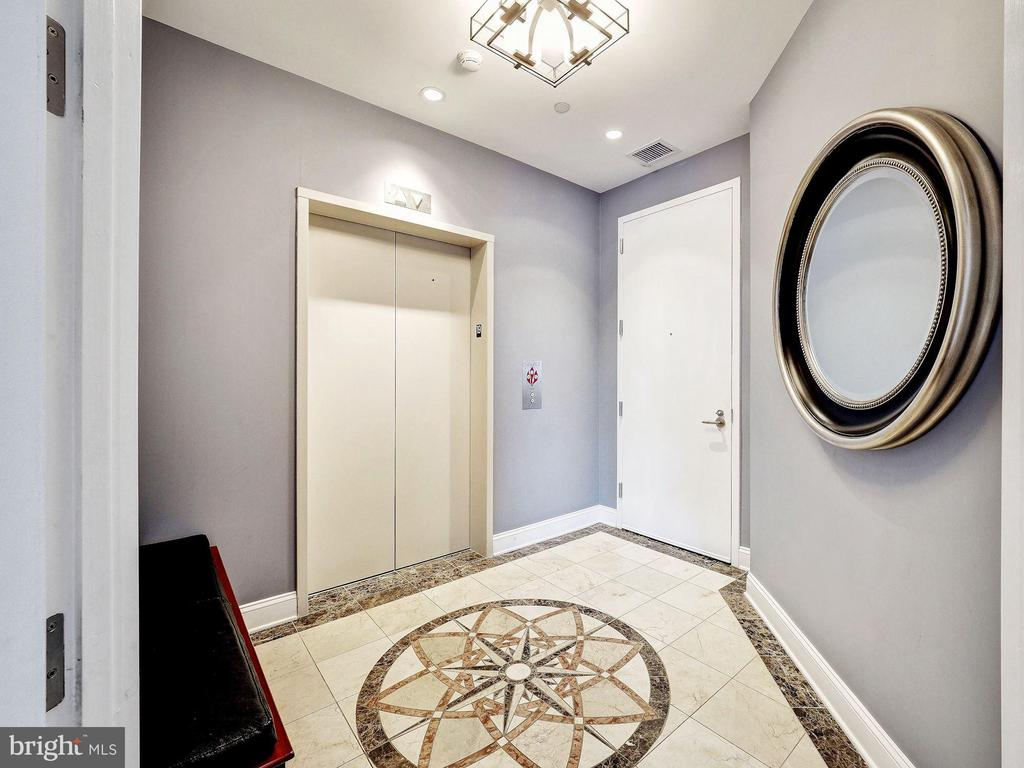 Private Elevator Entry Foyer - 1881 N NASH ST #1902, ARLINGTON