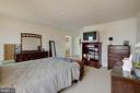 Large master with walk-in closet - 7127 AZALEA DR, RUTHER GLEN