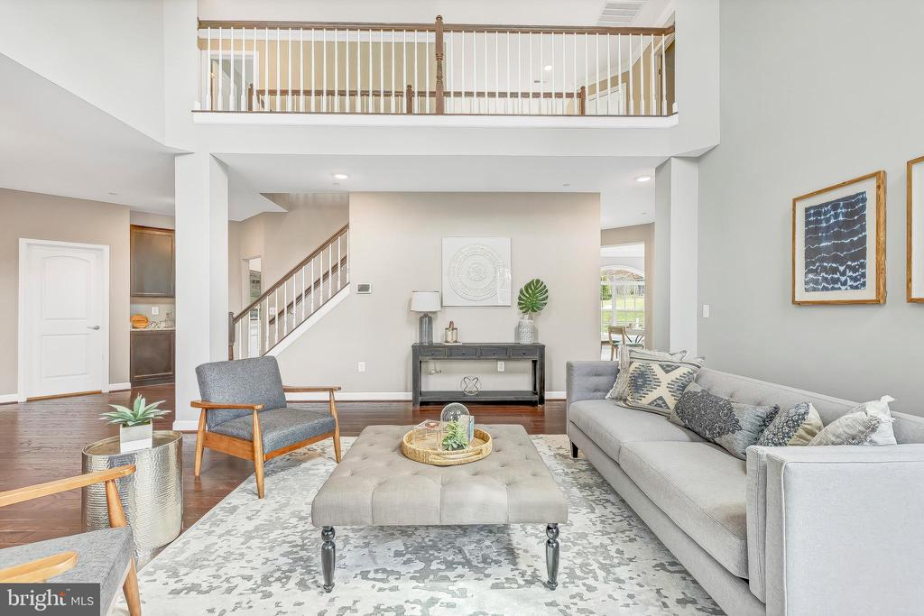 Two story great room with view from 2nd level - 10407 DEL RAY CT, UPPER MARLBORO