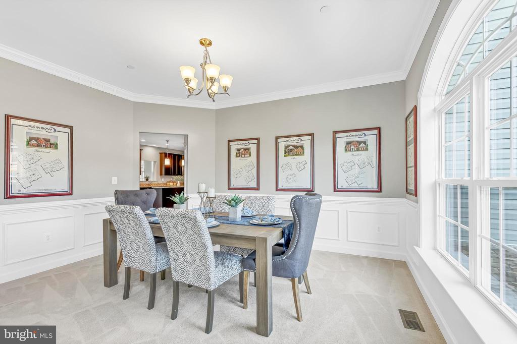Formal dining room off foyer - 10407 DEL RAY CT, UPPER MARLBORO