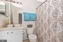 FULL BATHROOM - BEDROOM LEVEL - 305 GREEN FERN CIR, BOONSBORO