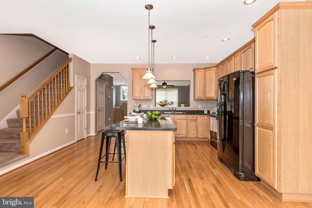 KITCHEN ISLAND VIEW 4 - 305 GREEN FERN CIR, BOONSBORO