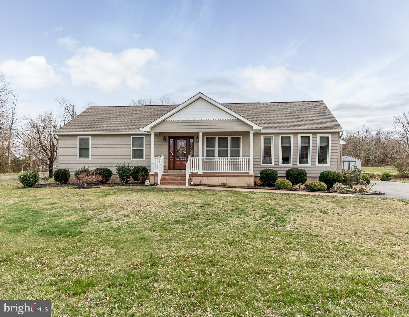 Частный односемейный дом для того Продажа на 505 E FLOWER Street Landisville, Нью-Джерси 08326 Соединенные Штаты