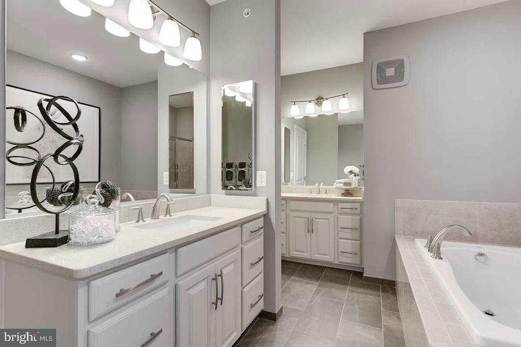 Master Bathroom - 1122 RIBBON LIMESTONE TER SE, LEESBURG