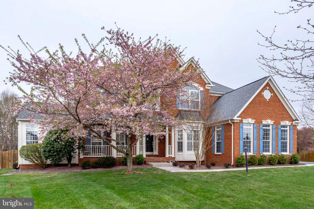 22043  WATER RUN COURT, Ashburn, Virginia