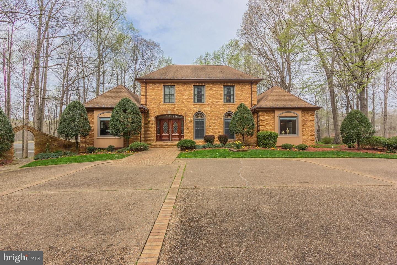 Fredericksburg                                                                      , VA - $985,000
