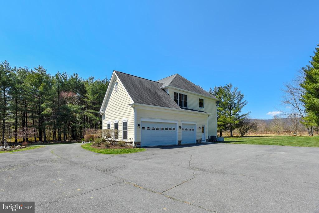 Paved Parking Plus 3 Car Side Load Garage - 15579 WOODGROVE RD, PURCELLVILLE