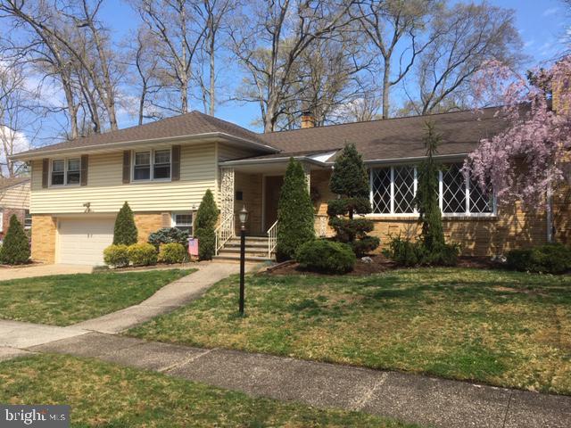 Частный односемейный дом для того Продажа на 507 ESTAUGH Westmont, Нью-Джерси 08108 Соединенные Штаты