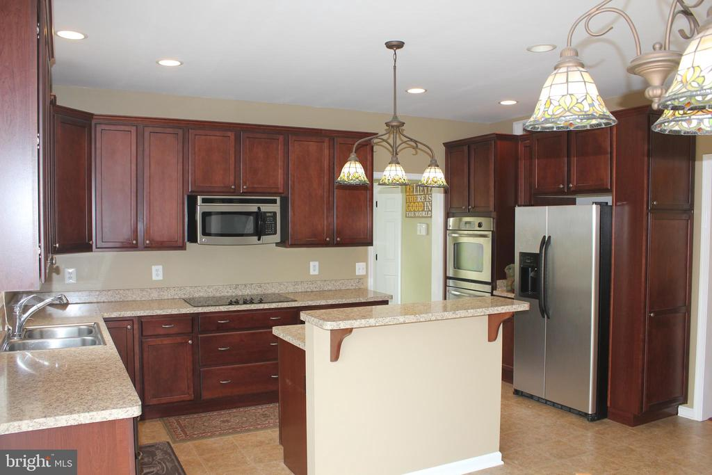 Great Kitchen - 30 CARDINAL DR, FREDERICKSBURG