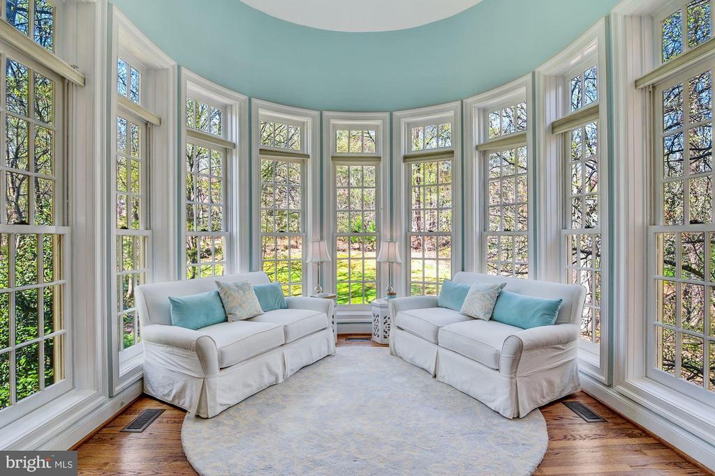 Relax in MBR Sitting/Sunroom - 106 FALCON RIDGE RD, GREAT FALLS