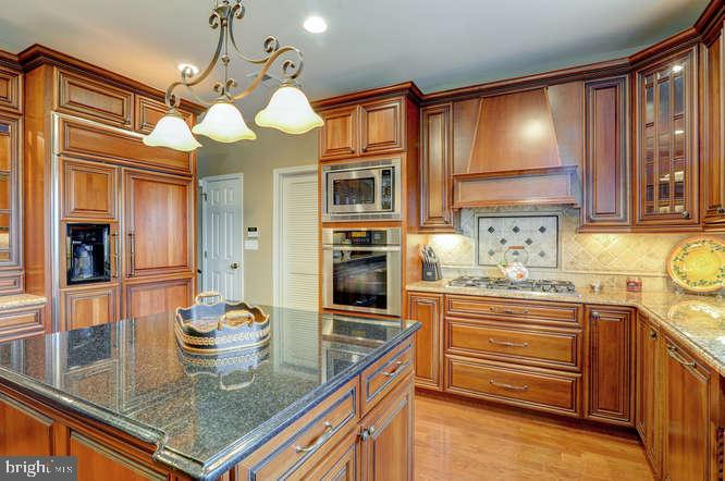 Kitchen - 4 TERRY CT, HAMILTON