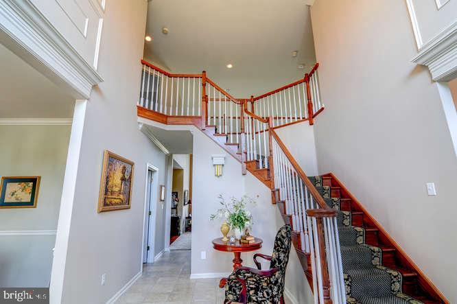 Grand Foyer - 4 TERRY CT, HAMILTON