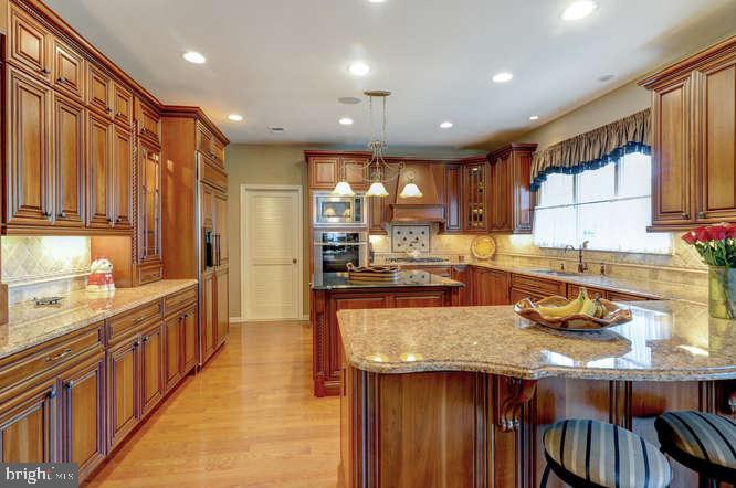 Master Kitchen - 4 TERRY CT, HAMILTON