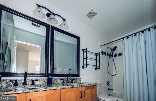 Updated Bathroom For Bedroom's 2 & 3- - 14974 MERRITT FARM LN, LEESBURG