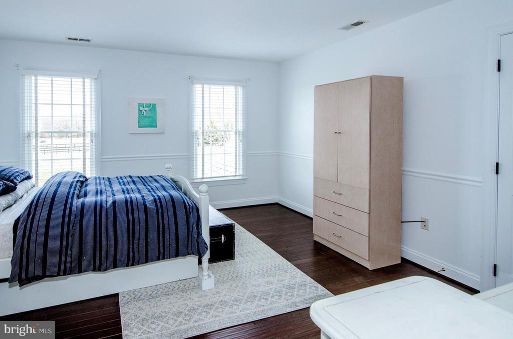 Bedroom 3 with Custom Closet ( not shown)- - 14974 MERRITT FARM LN, LEESBURG