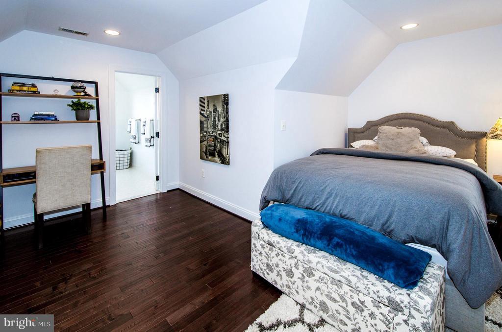 Bedroom 4 with Desk Area- - 14974 MERRITT FARM LN, LEESBURG