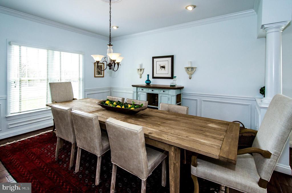 Extended Dining Room for your Special Dinners- - 14974 MERRITT FARM LN, LEESBURG