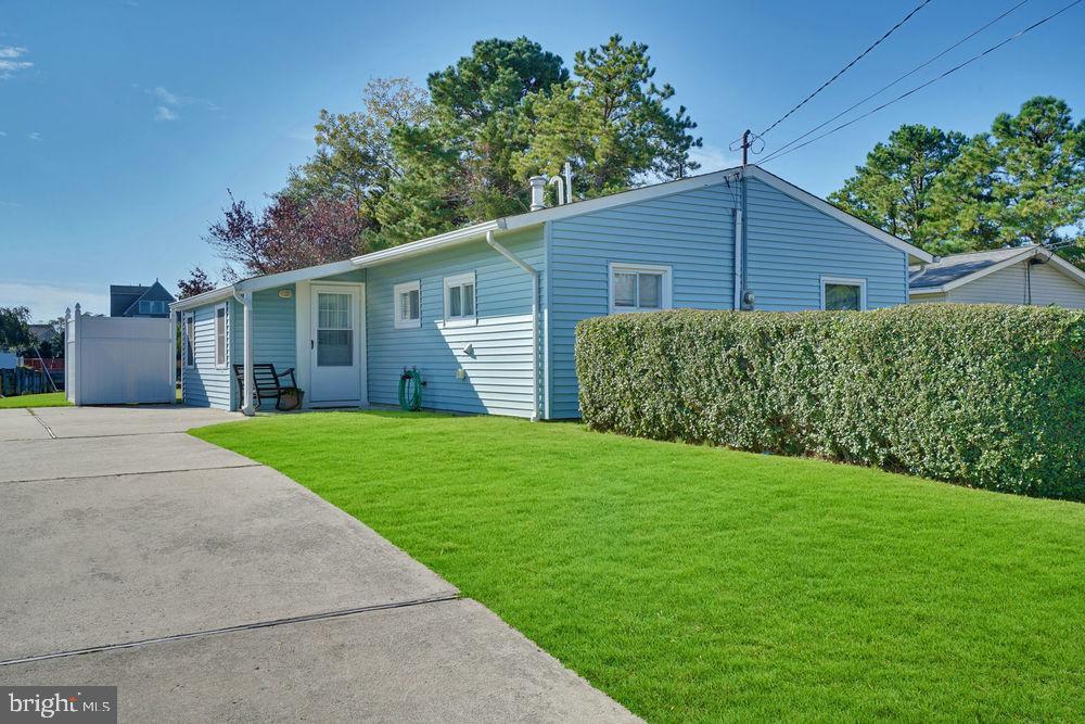 Maison unifamiliale pour l Vente à 423 W CALA BREEZE WAY Tuckerton, New Jersey 08087 États-UnisDans/Autour: Little Egg Harbor Twp