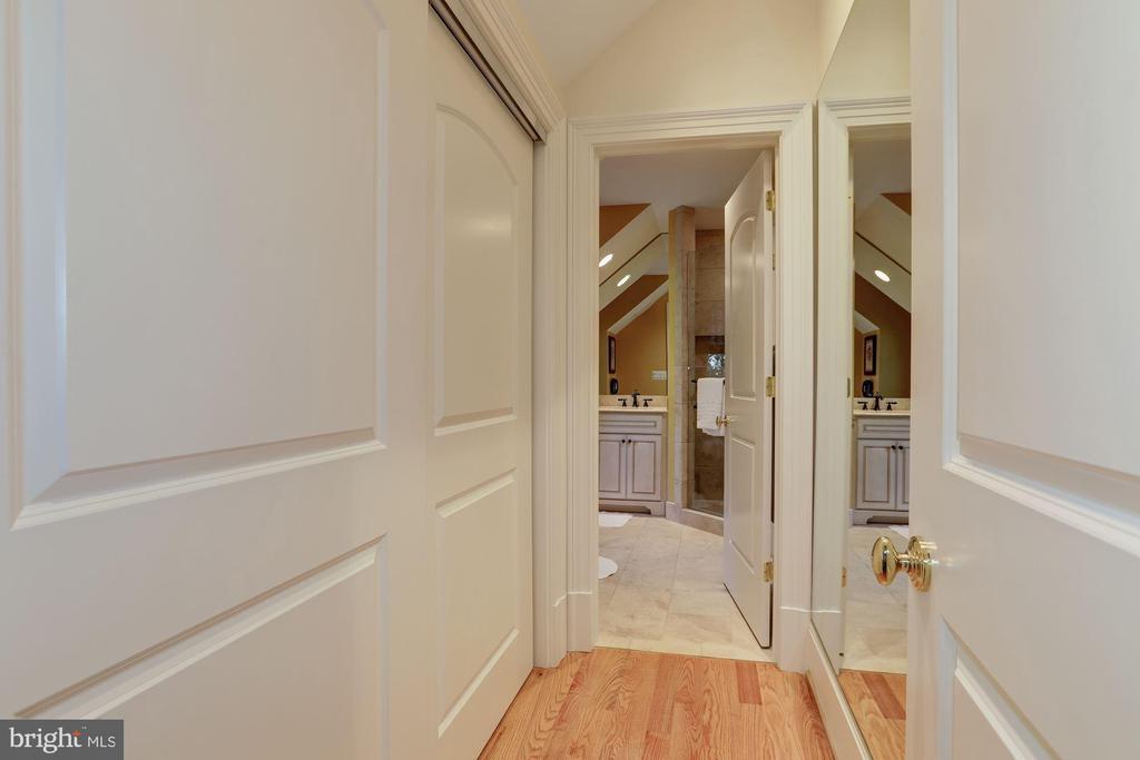 Guest House Master Bathroom - 9606 FALLS, POTOMAC
