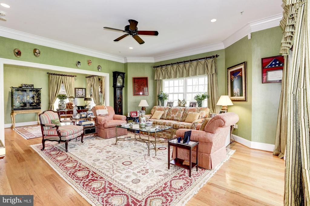 First Floor Master Bedroom - 9606 FALLS, POTOMAC
