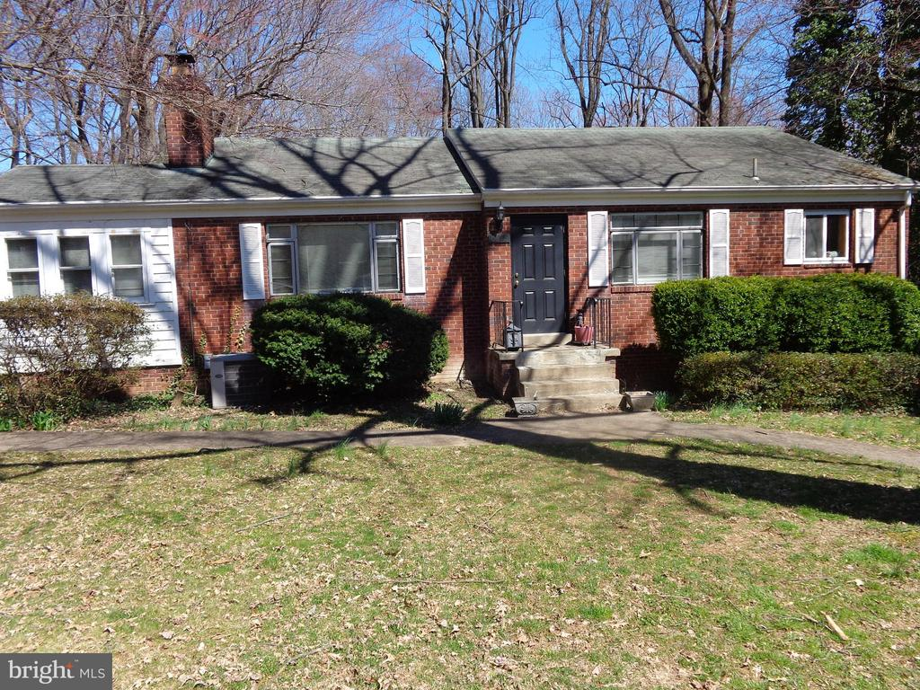 One of Falls Church 5 Bedroom Homes for Sale at 6628  KERNS ROAD