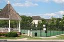 HOA tennis courts and gazebo - 606 DISKIN PL SW, LEESBURG
