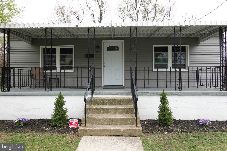 Maison unifamiliale pour l Vente à 20 LUNDY Avenue Lawnside, New Jersey 08045 États-Unis