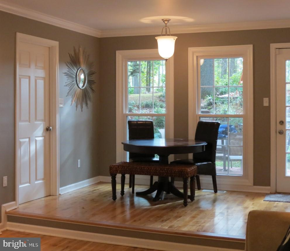 Sunny Breakfast Area - Door to Rear Patio - 4345 BANBURY DR, GAINESVILLE