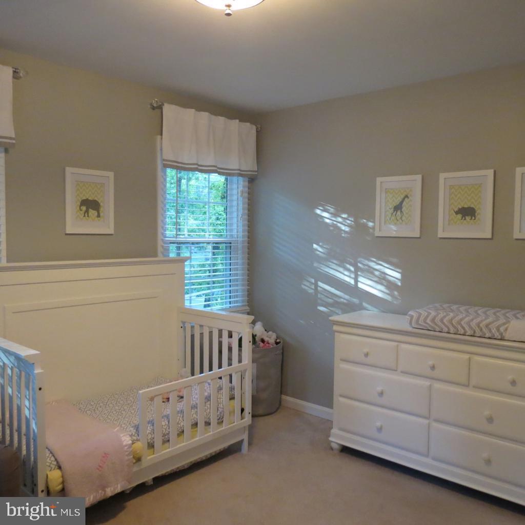Upper Level Bedroom #3 - 4345 BANBURY DR, GAINESVILLE