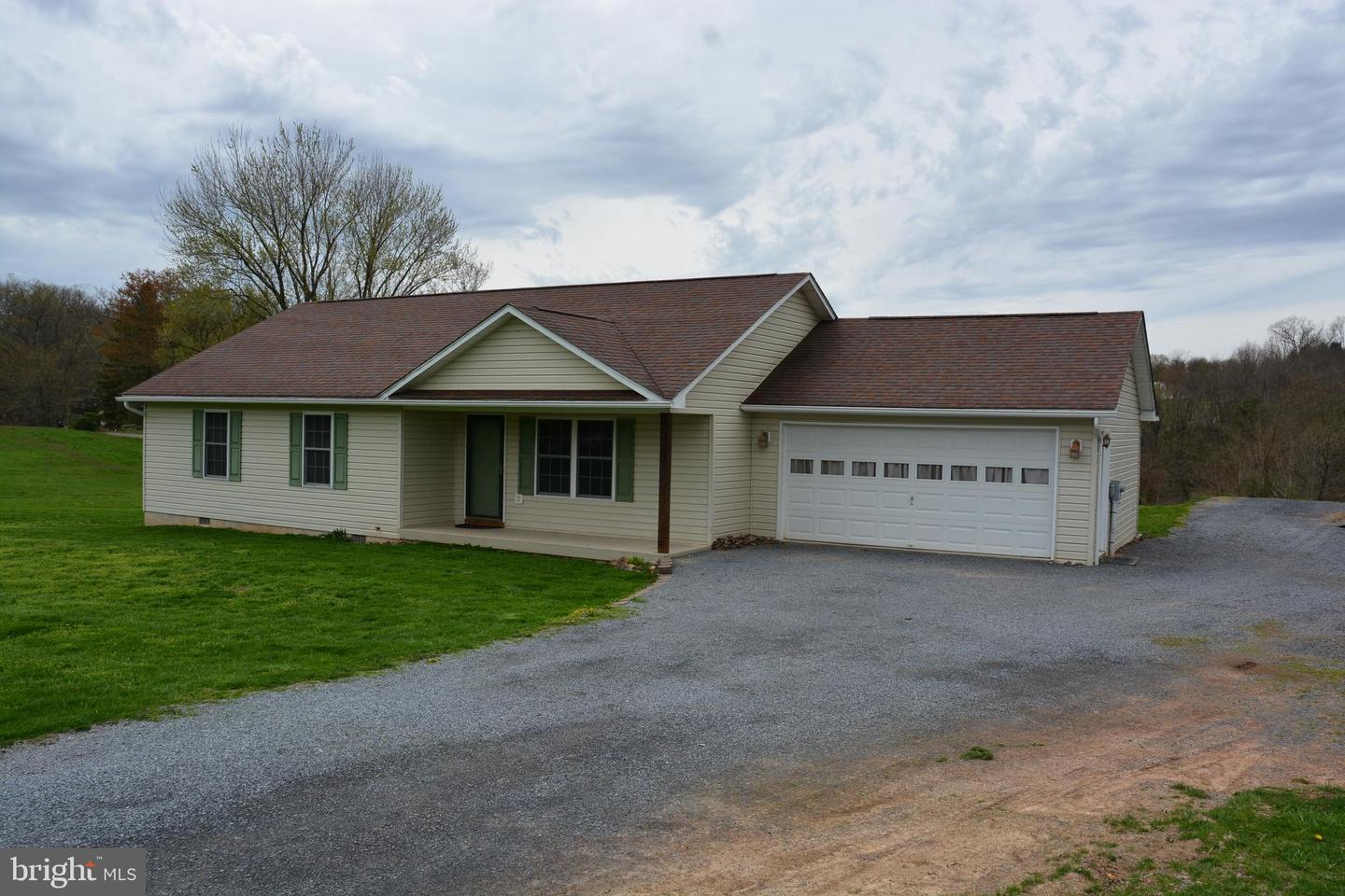 Single Family for Sale at 101 Hickory Ln 101 Hickory Ln Augusta, West Virginia 26704 United States