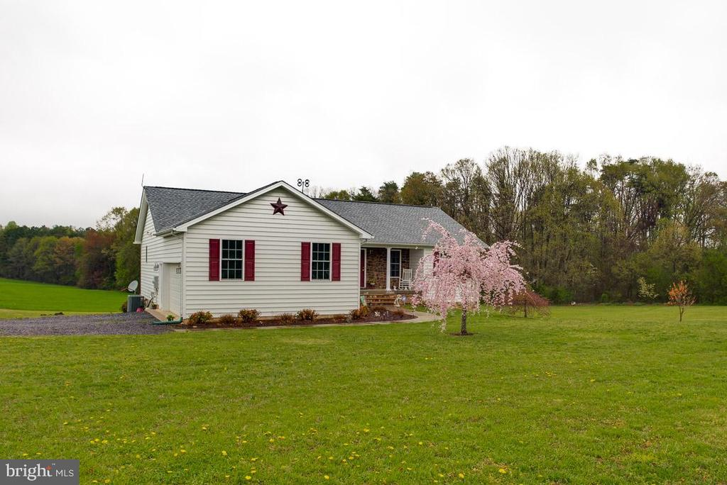 Sitting pretty on Two Acres with Pastoral Views - 10179 LAWRENCE LN, LOCUST GROVE