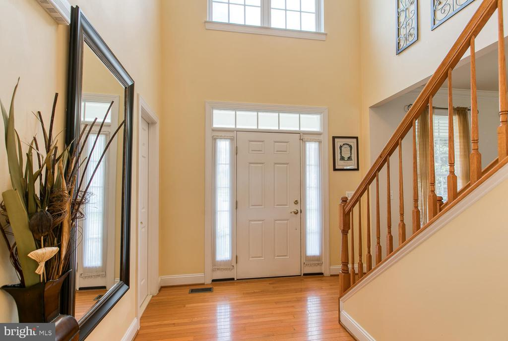 Natural light, hardwoods throughout - 3412 WOOLFENDEN CT, TRIANGLE