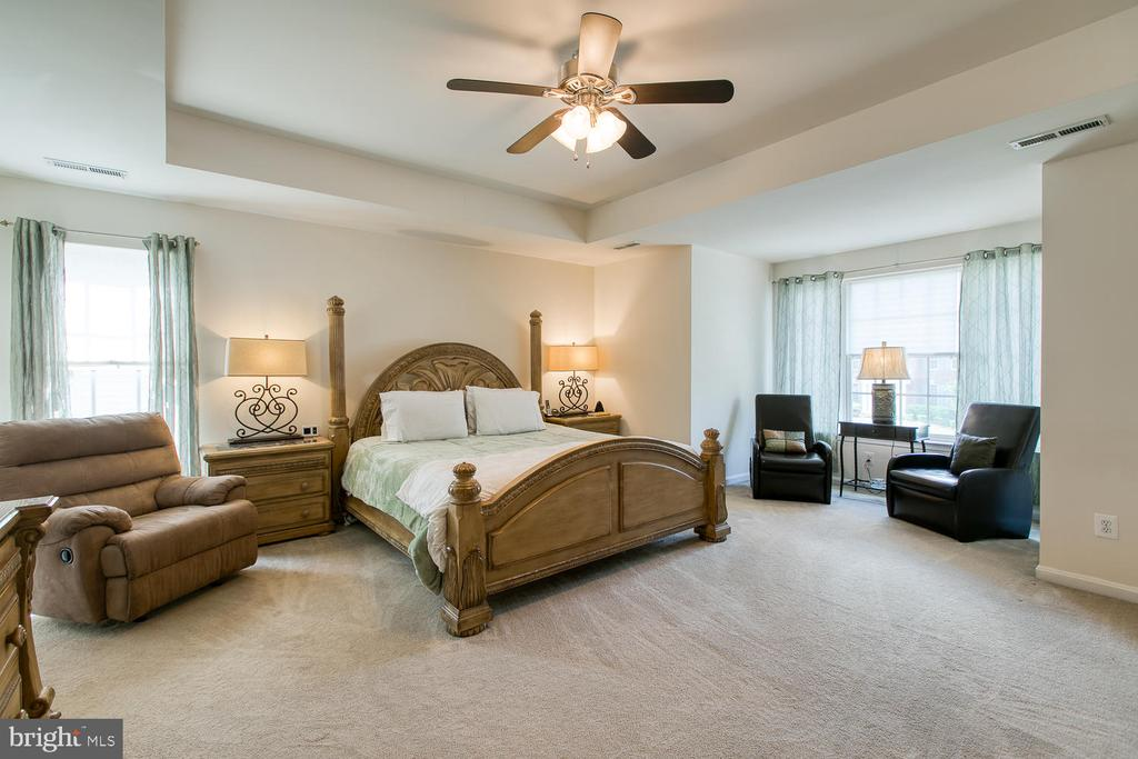 Spacious Master Suite with Sitting Area - 3412 WOOLFENDEN CT, TRIANGLE