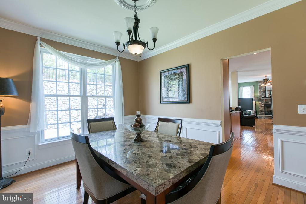 Natural Light throughout - 3412 WOOLFENDEN CT, TRIANGLE