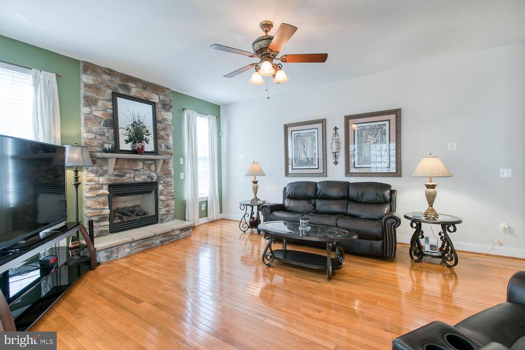 Beautiful Stone Fireplace - 3412 WOOLFENDEN CT, TRIANGLE